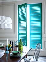 Turquoise blinds