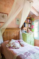 Childs country bedroom