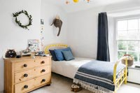 Country childs bedroom decorated for Christmas