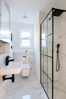 Modern ensuite bathroom