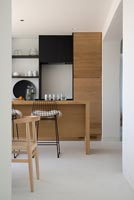 Modern kitchen diner detail