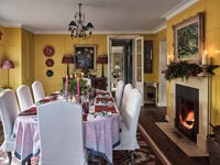 Classic dining room decorated for Christmas