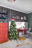 Colourful modern childrens room decorated for Christmas