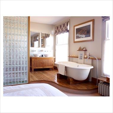 Gap interiors open plan modern bathroom and bedroom for Open plan bedroom bathroom
