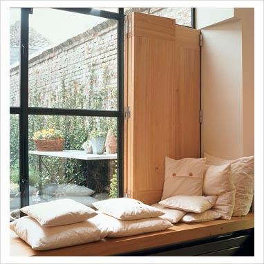 GAP Interiors - Modern window seat - Picture library specialising ...