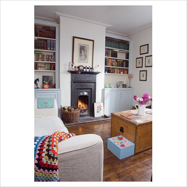 Living Room Shelving on Gap Interiors   Modern Living Room   Picture Library Specialising In