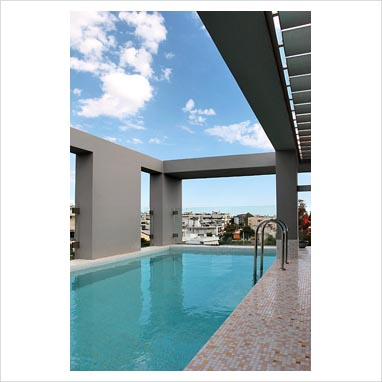 Gap Interiors Modern Swimming Pool On Roof Terrace Picture Library Specialising In Interiors