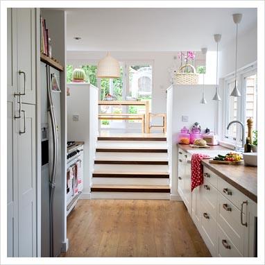 Gap interiors modern split level kitchen diner picture for Split level extension ideas