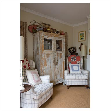 GAP Interiors - Distressed furniture in country living room - Picture
